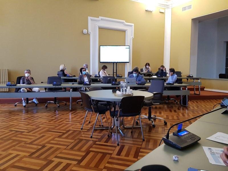 Partecipanti in presenza aula consiliare del comune di Cesena